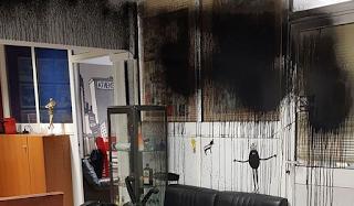 Κατέστρεψαν τα γραφεία της Athens Voice