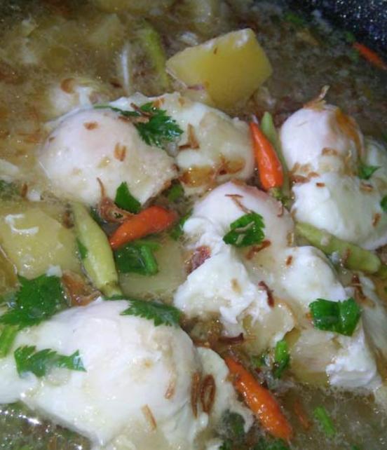 Sup telur dengan kentang