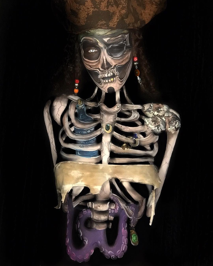 02-It-s-a-Pirates-Life-for-Me-Samantha-Helen-Face-and-Body-Painter-Able-to-Transform-www-designstack-co