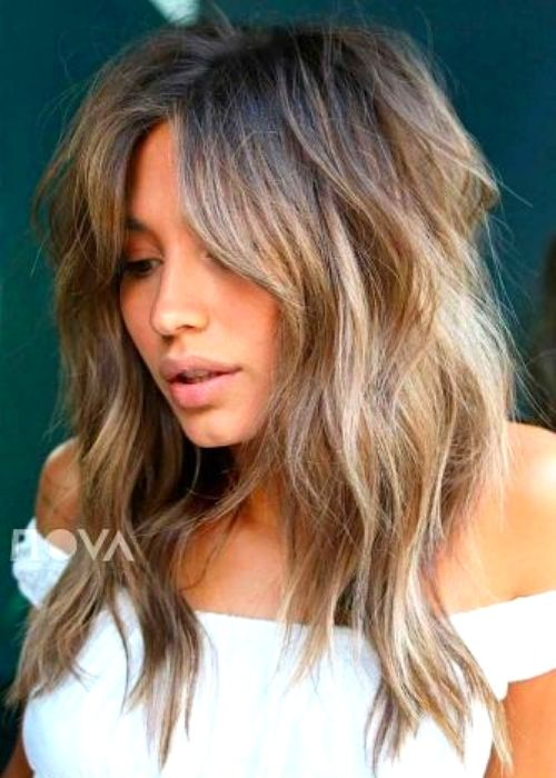 Flattering Hairstyles for Oval Face - Messy Layered Hairstyle for Oval Face