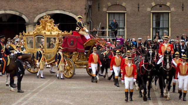 8 Fakta Menarik Kereta Kuda Raja Belanda Berbahan Jati