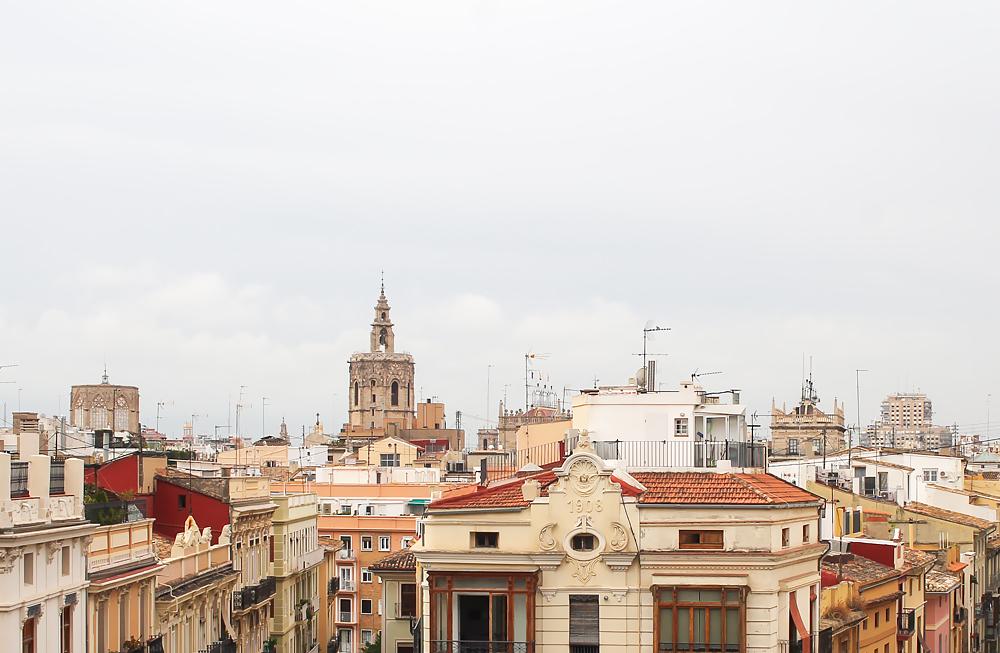callejeando valencia ciudad vistas serranos