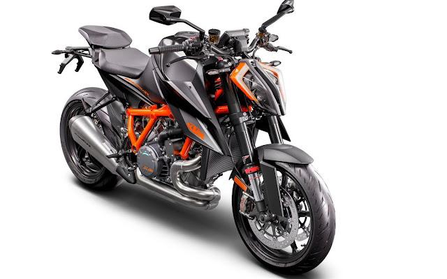 KTM-1290-Super-Duke-R-2020-1