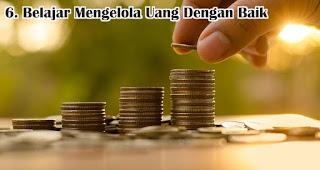 Belajar Mengelola Uang Dengan Baik merupakan salah satu tips agar menjadi generasi anak muda milenial yang hebat
