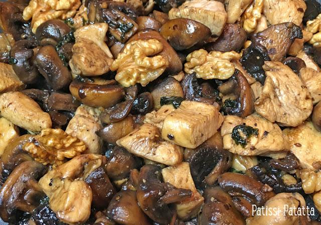 poêlée de poulet sucrée/salée, poulet sucré/salé, recette de poulet aux champignons, champignons, cuisiner avec du sirop d'érable, cuisiner avec des noix, cuisiner avec du soja, plat principal, patissi-patatta