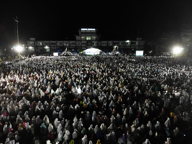 Tadi Malam di Sorong, Lautan Muslim Papua Menghadiri Tabligh Akbar Ustadz Abdul Somad