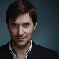 Headshot photo of Richard Armitage