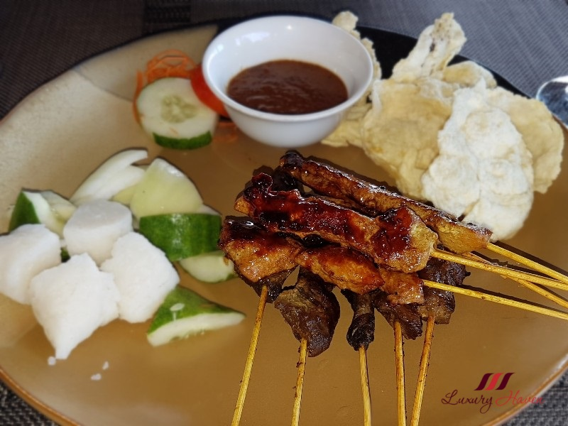 bintan lagoon resort haskells cafe review chicken satay