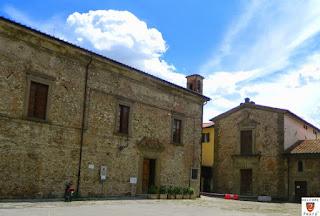 Immagine di Piazza Ospedale Vecchio nel 2014 prima del restauro