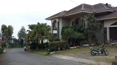 Sewa Villa Istana Bunga Lembang Bandung