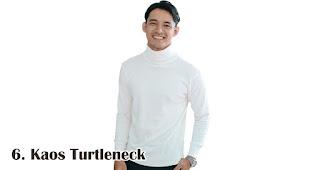 Kaos Turtleneck merupakan salah satu kaos kekinian yang bisa kamu jadikan pilihan untuk souvenir