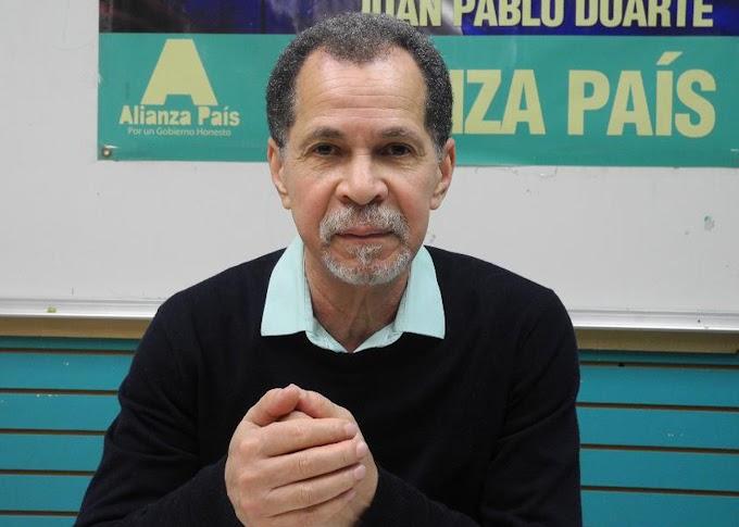 Candidato a diputado de Alianza País en ultramar pide construir plaza al inmigrante dominicano en RD