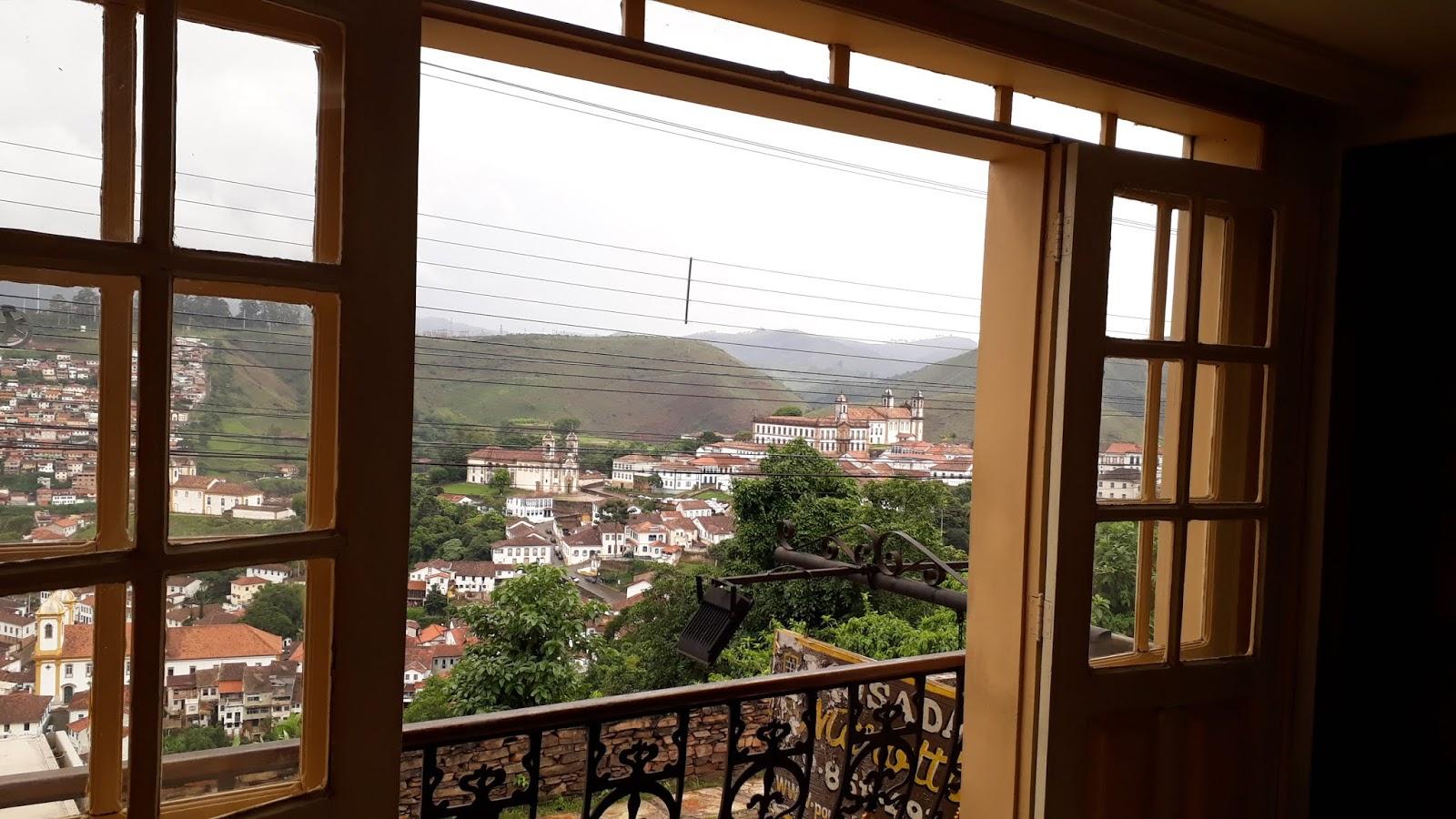 Vista para a cidade de Ouro Preto a partir da Pousada Marotta à Rua Conselheiro Quintiliano Maciel