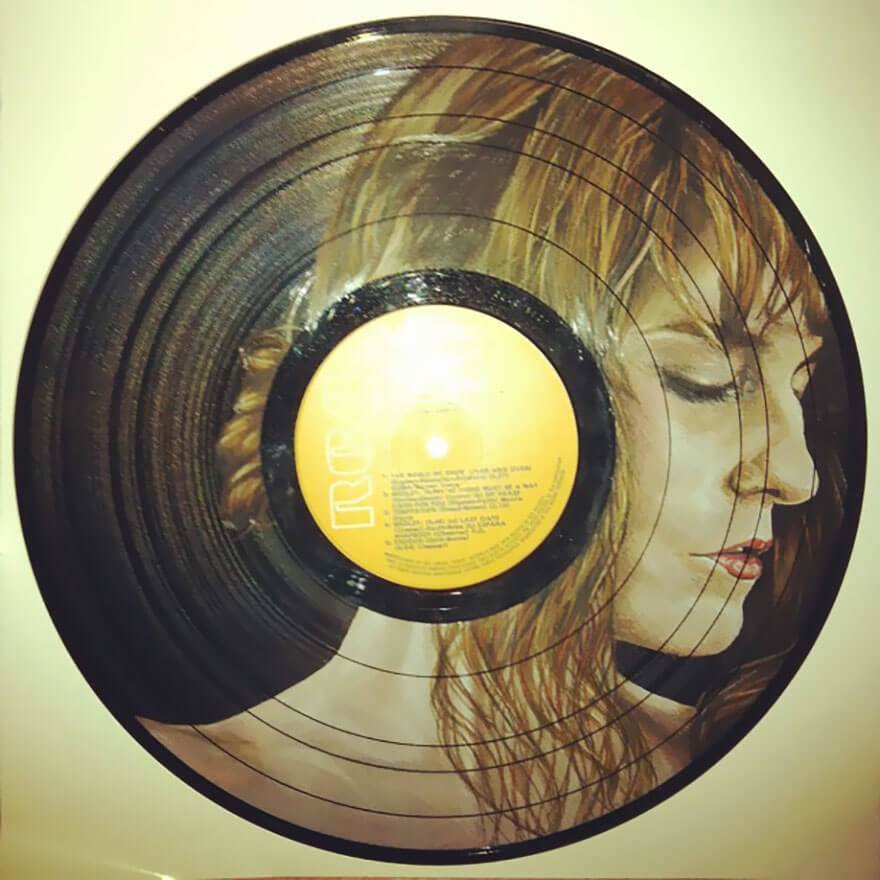 06-Florence-Welch-Florence-and-the-Machine-Melissa-Jane-Celebrity-Portrait-Drawings-On-Used-Vinyl-Records-www-designstack-co