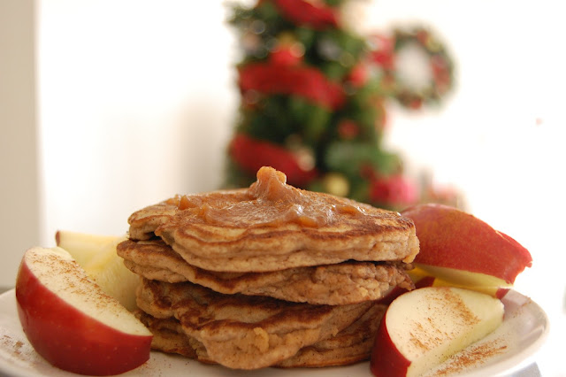 Low Carb Apple Cinnamon Pancakes