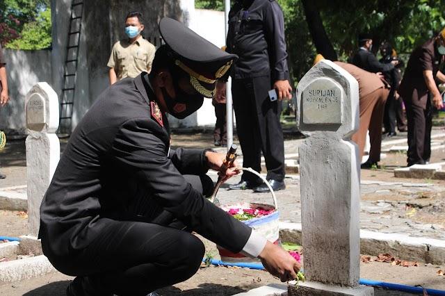 Guna Mengenang Jasa Para Pahlawan , Forkopimda Melaksanakan Ziarah di Taman Makam Pahlawan Yudha Pralaya