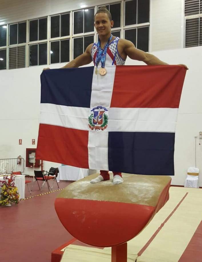 Barahonero Audrys Nin Reyes ganó 2 medallas de oro en salto y barra fija, y 1 de bronce en barras paralelas