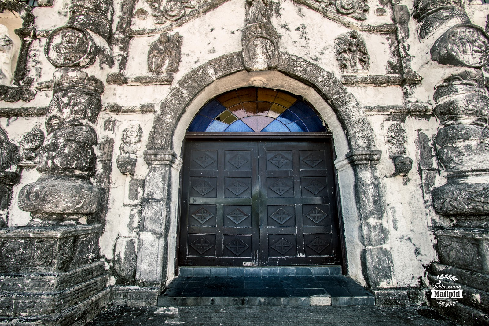old door in Daraga church
