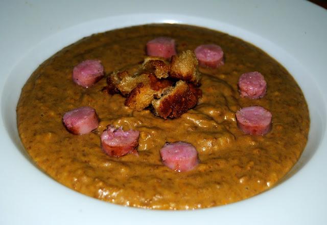 Crema de Lentejas con Salchichas de Frankfurt (Linsencremesuppe mit Frankfurter) Receta
