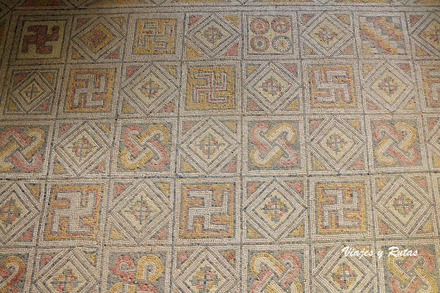 Esvásticas en la Villa romana de la Olmeda, Palencia