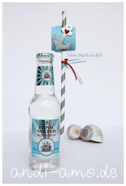 Gast-Geschenk: Flasche mit Strohhalm Tonic Water