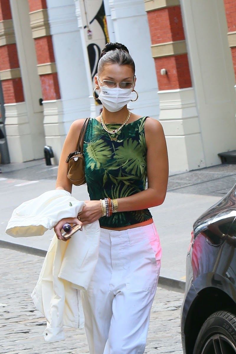 Bella Hadid Leaves Her Apartment in New York 4 Sep -2020