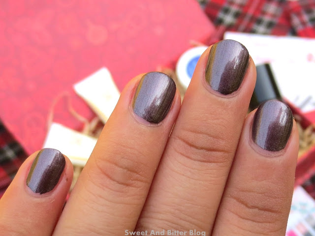 Catrice Ultimate Nail Lacquer in 60 Out Of The Dark Swatch