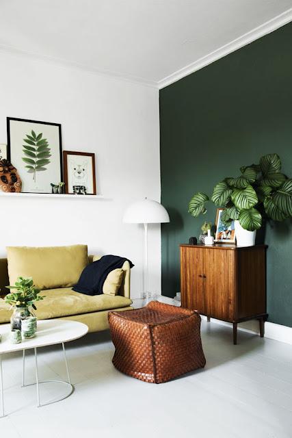 donker groen muur woonkamer