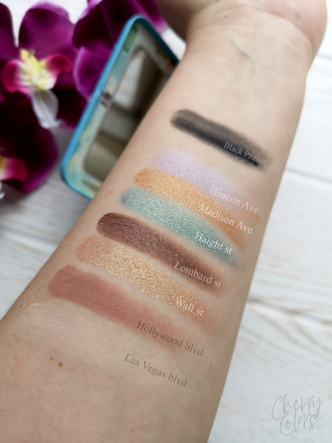 theBalm - DAY2NITE Palette SWATCH