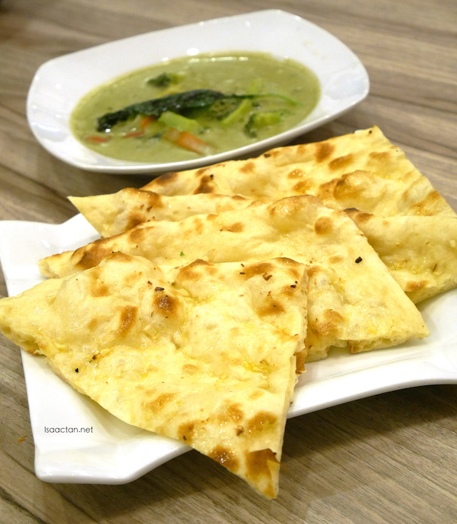 Thai Curry Dal and Garlic Naan - RM14