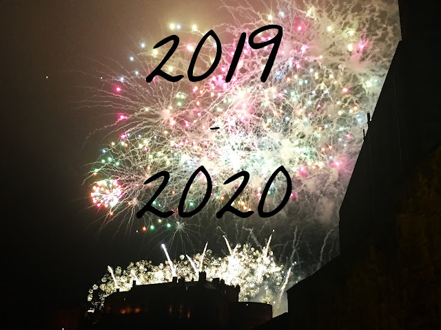 2019-2020 text on Edinburgh Castle & Hogmanay fireworks background