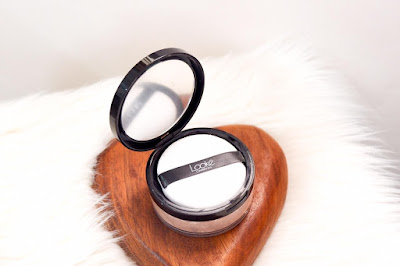 Looke cosmetics holy smooth and blur loose powder