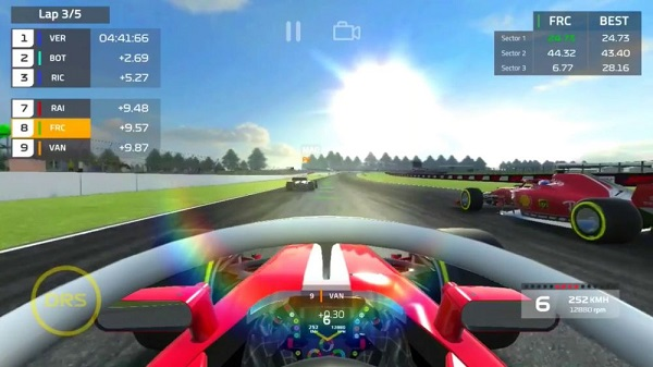 F1 Mobile Racing iPhone iPad Android juegos de autos gratis