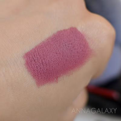 Свотчи Губная помада Faberlic HD Color 40202 розовая пыль
