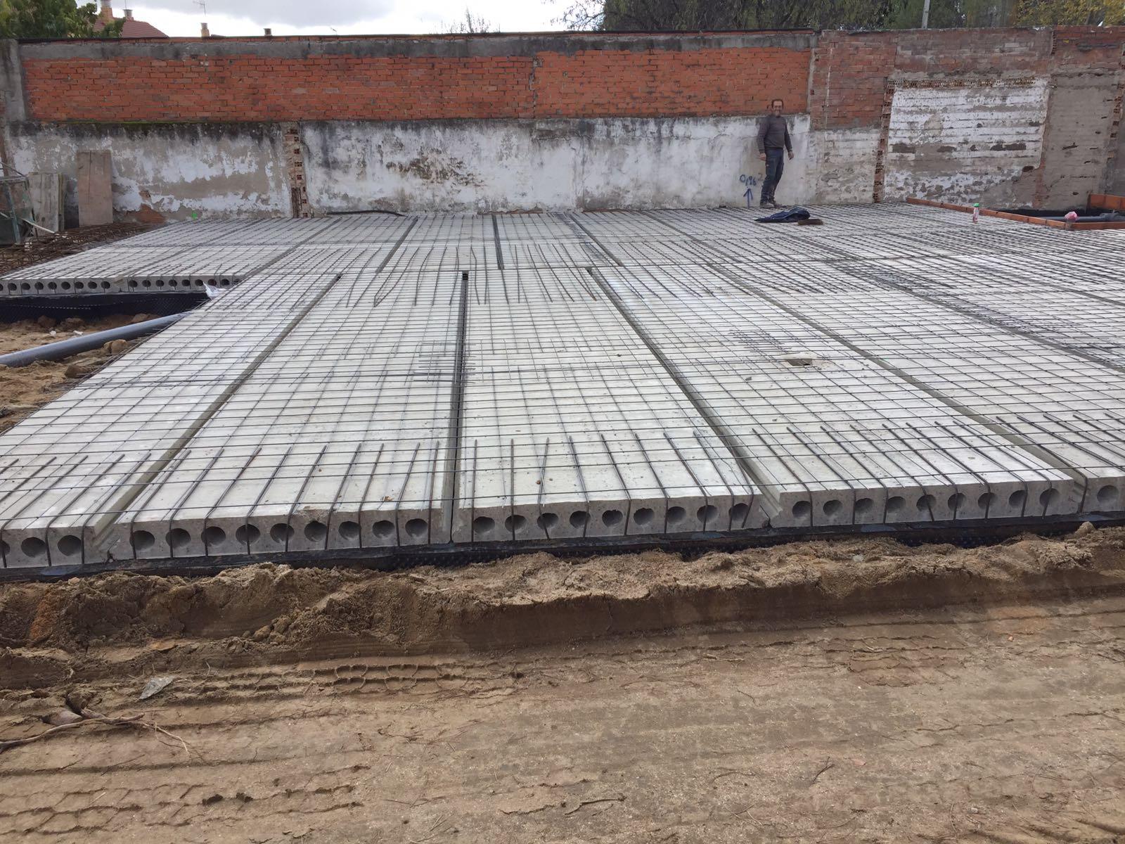 Placas alveolares 644 34 87 47 presupuesto madrid placa - Como hacer un suelo de hormigon ...
