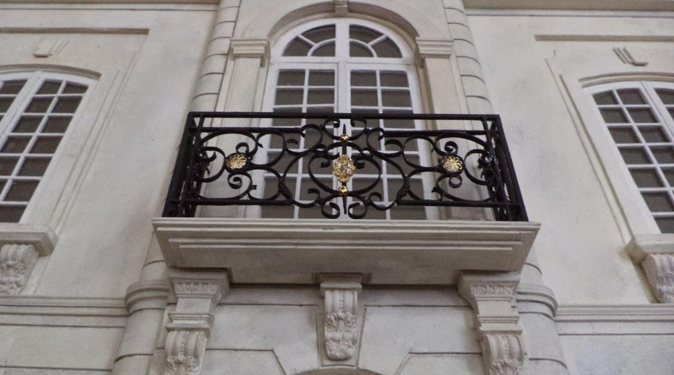 Maison fran aise 1 12 le balcon for Facade maison avec balcon