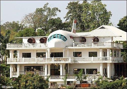 See The Popular 'Aeroplane House' A Man Built In Abuja