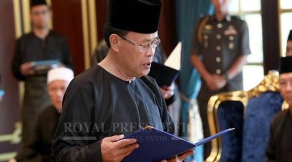 Osman Sapian dilantik Menteri Besar Johor ke-16