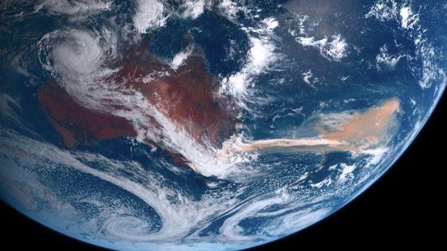 Fumaça de incêndios florestais causa gigante proliferação de algas no oceano