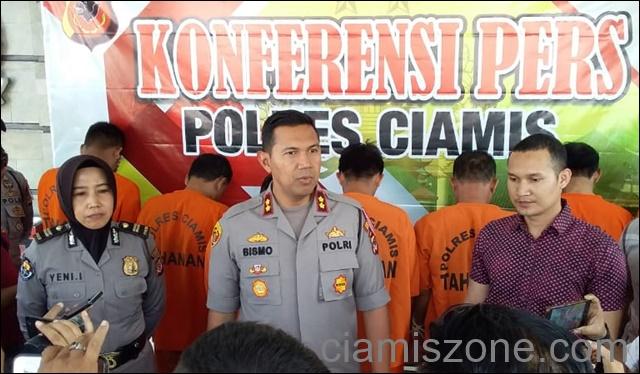 Polisi Bekuk 7 Penjudi, 5 DPO, Mobil dan 10 Motor Disita