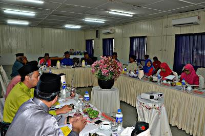 Saya mempengerusikan Mesyuarat Badan Perhubungan UMNO Negeri Terengganu (BPUNT) yang diadakan di Bari Beach Resort Rhu Sepuluh Setiu