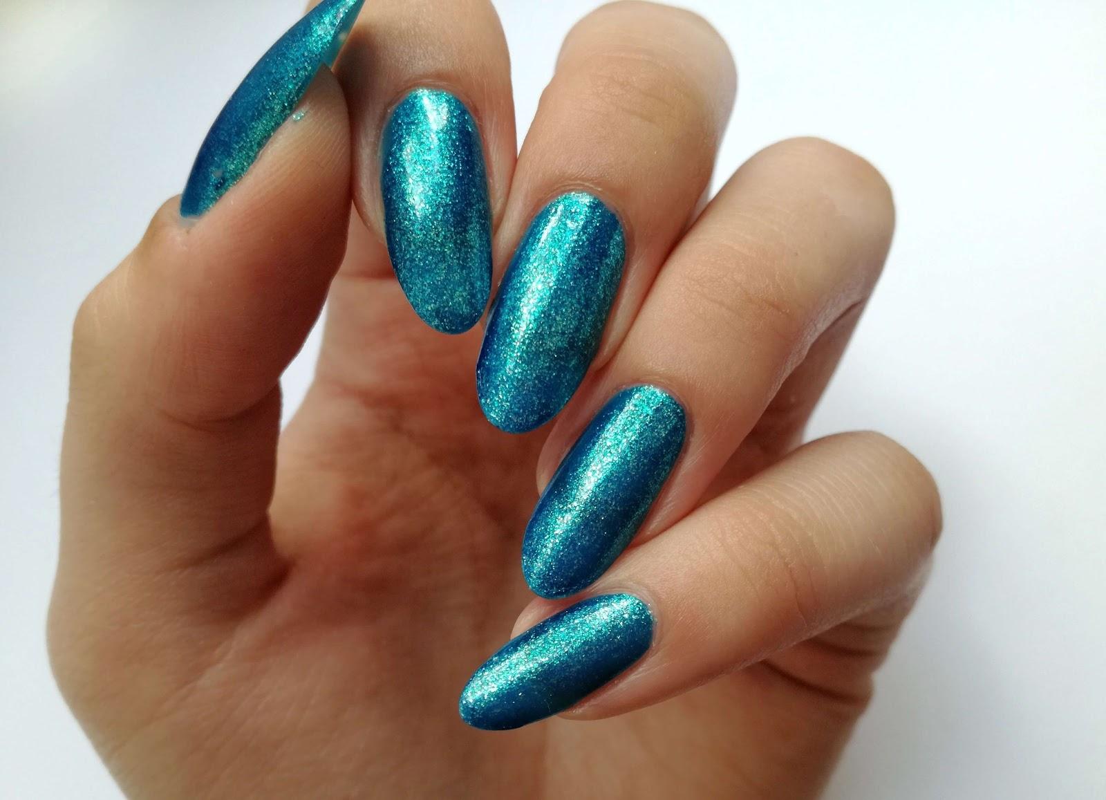 niebieskie paznockie swatch