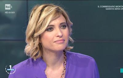 Monica Giandotti primo piano viso collana unomattina 14 aprile