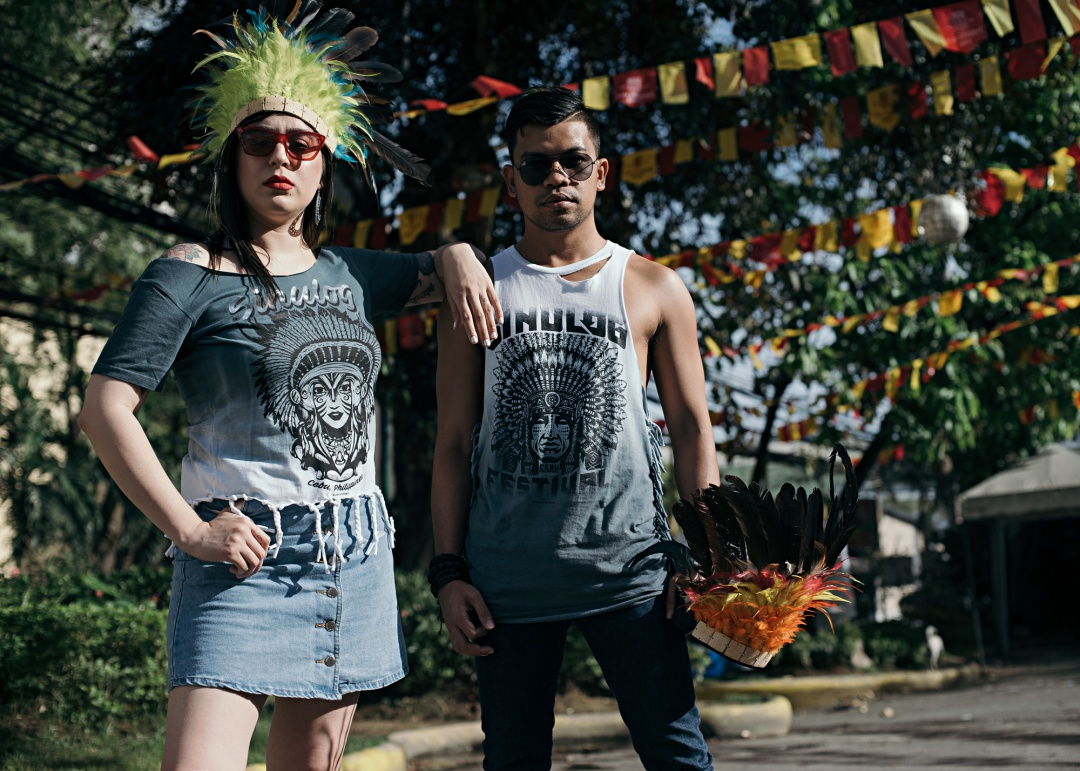 CEBU-BLOGGER-FASHION-MEN-ALMOSTABLOGGER-SINULOG-SHIRT.jpg
