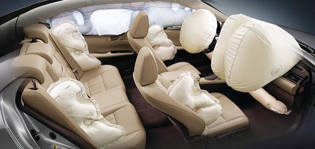 Lexus ES350 trang bị tới 10 túi khí SRS mang lại sự an toàn tối đa cho hành khách
