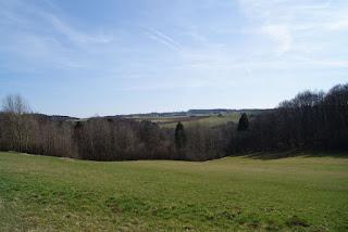 Blick in die weite Landschaft der Eifel