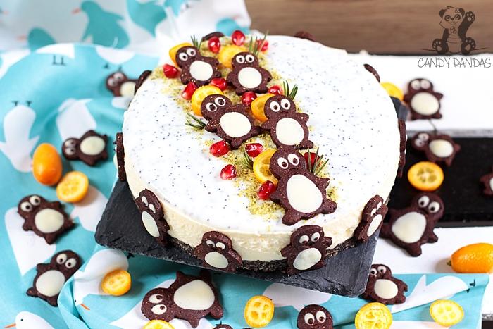 Sernik gotowany na migdałowo-makowym spodzie z kakaowymi pingwinkami (bez glutenu, cukru białego, laktozy, bez pieczenia)