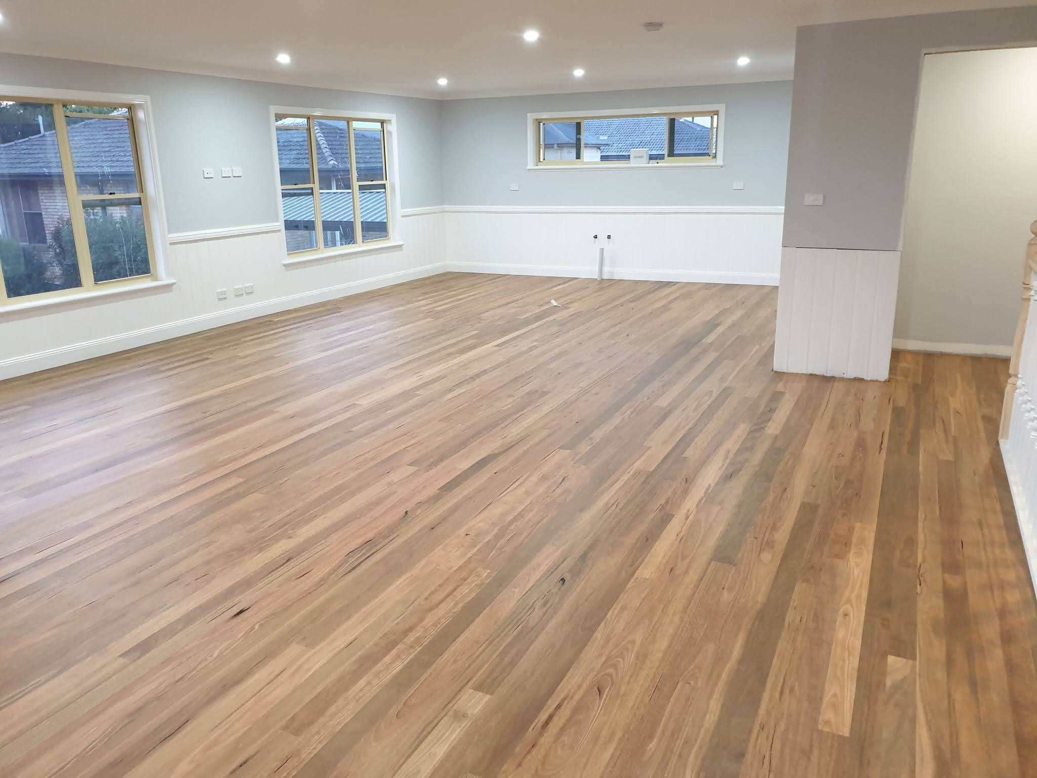 wooden floor polishing