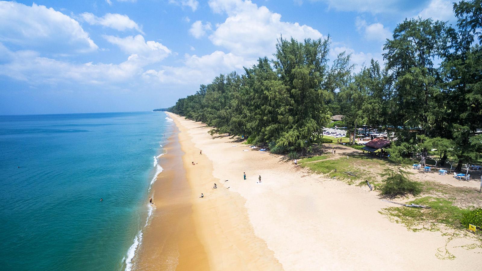Пляж Май Кхао, самый большой пляж Тайланда