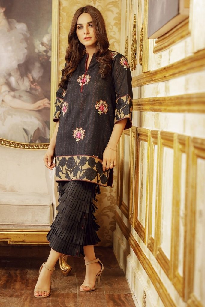 Welcome Winters with All New Alkaram Winter Collection 2020